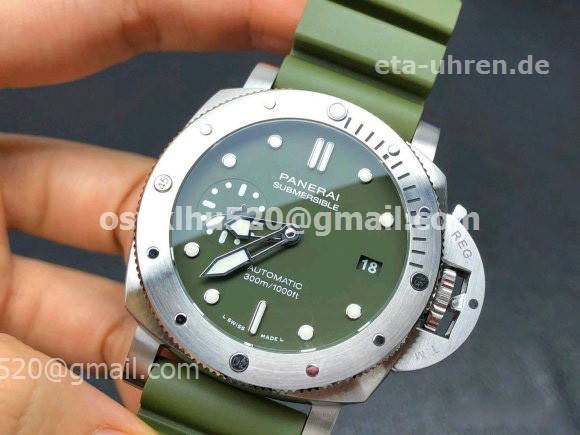 Panerai Submersible Matte-Green Military Watch Green rubber strap